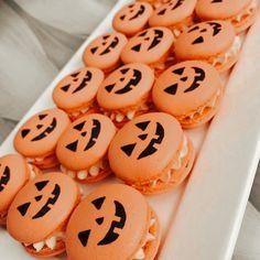 Halloween Baking, Halloween Desserts, Halloween Treats, Fall Halloween, Halloween Party, Halloween 2020, Halloween Decorations, Halloween Costumes, Postres Halloween