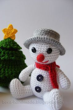 Make It: Snowman - Free Crochet Pattern #crochet #amigurumi #christmas #ravelry #free