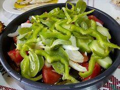 Μπιφτέκια λαχανικών σούπερ !!!! ~ ΜΑΓΕΙΡΙΚΗ ΚΑΙ ΣΥΝΤΑΓΕΣ 2 Veggie Burgers, Greek Recipes, Green Beans, Nutrition, Stuffed Peppers, Vegetables, Healthy, Food, Vegetarian Burger Patties