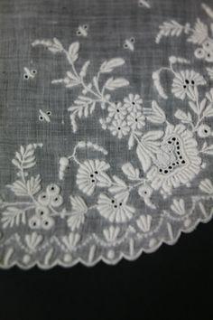 Antique handmade Irish lace handkerchief- -closeup