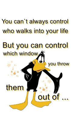 Funny Cartoon Quotes, Cartoon Jokes, Funny Quotes For Teens, Funny Cartoons, Funny Jokes, Cartoon Characters, Hilarious, Daffy Duck Quotes, Looney Tunes Funny