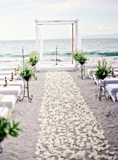 Nice way to arrange your beach themed wedding | wedding | | beach wedding | | beach wedding ideas | #wedding #beachwedding #beachweddingideas http://www.roughluxejewelry.com/