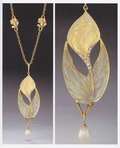 René Lalique attrib. - An Art Nouveau gold, enamel, diamond and pearl Calla Lily necklace, 1900-05. 7.0 x 2.4cm. Source: Wolfgang Glüber, Jugendstilschmuck #ArtNouveau #necklace #Lalique #GoldJewelleryArtNouveau