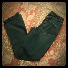 """Coldwater Creek 5 Pocket Denim Jeans Denim jeans in size 6 petit. 98% Cotton, 2% Spandex.  30"""" waist, 29"""" inseam, 9"""" front rise, 18"""" leg opening. All measurements are approximate.  Slight wear on bottom of jeans.  See picture 3. Coldwater Creek Jeans"""