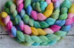 Targhee 'Rainbow Fish' 4 oz spinning fiber hand dyed