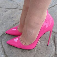 #heels #highheels #stilettos #shoegame #heelgame #shoeporn #hotpink #louboutin