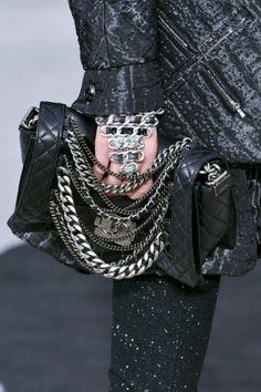 Chanel bag F13 027