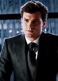 "Ok, I admit it: Christian Grey (Jamie Dornan) wears some pretty nice suits in ""Fifty Shades of Grey. Fifty Shades Series, Fifty Shades Movie, Fifty Shades Darker, Fifty Shades Of Grey, Christian Grey, Jamie Dornan, Estilo Dakota Johnson, Dulcie Dornan, Mr Grey"