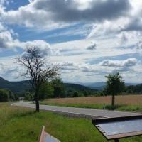 Hurá na výlety v Českém Švýcarsku | Výlety-Průvodce-Ubytování-Půjčovna | České Švýcarsko Golf Courses, Cottage, Cottages, Cabin, Farmhouse