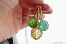 Tutorial by Sharon Ojala, as posted on Amber's House. Tutorial for mini japanese glass floats using a marble and crochet thread. Nautical Christmas, Christmas Crafts, Christmas Ornament, Beach Crafts, Diy Crafts, Minis, Glass Boat, Sea Glass, Barbie Furniture