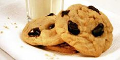 Chocolate Chip Cookies using CORNSTARCH! Love Keebler's Soft Batch Cookies?  This IS the secret ingredient!