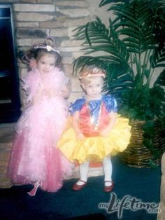 Dance Moms Brooke and Paige childhood pictures Beyonce Dancers, Dance Moms Dancers, Dance Mums, Dance Moms Chloe, Dance Moms Girls, Mom Season 1, Dance Moms Season, Brooke And Paige Hyland, Dancing Baby