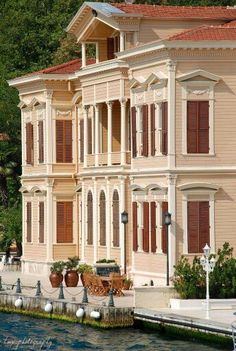 İstanbul yalıları - Waterfront houses of Bosphorus, Istanbul Turkish Architecture, Art And Architecture, Most Beautiful Cities, Beautiful Homes, Republic Of Turkey, Turkey Travel, Waterfront Homes, Ottoman Empire, Historic Homes