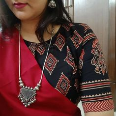 kalamkari & cotton print pattern blouse to try this summer 2020 . Try this look at SM Studio Now try this different looks of kalamkari, ikat print blouse for all those sunn… Cotton Saree Blouse Designs, Blouse Patterns, Simple Blouse Designs, Neckline Designs, Saree Look, Evergreen, Plain Saree, Ikat Print, Jewellery