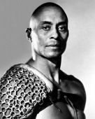 Publicity still portrait of American actor Woody Strode in Stanley Kubrick's film 'Spartacus' 1960