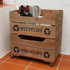 Not a project, but a good idea for a two-level DIY recycling crate on wheels. This would keep my counter clear between trips to the recycling bins outside. Wooden Apple Crates, Wooden Storage Crates, Crate Storage, Storage Boxes, Crate Shelves, Tv Storage, Record Storage, Recycling Storage, Recycling Station
