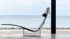 PK24 Lounge Chair
