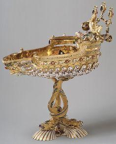 Copa Fecha: segunda mitad del siglo 19 Cultura: Europea Medio: El oro, en parte esmaltada y engastada con diamantes, esmeraldas, rubíes, perlas, ónice,