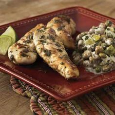 Aprons Simple Meals makes home cooking easy. These easy, delicious recipes from Publix will get your family together for dinner again. Oregano Chicken, Pigeon Peas, Cooking Light, Aprons, Allrecipes, Healthy Living, Easy Meals, Yummy Food, Dinner