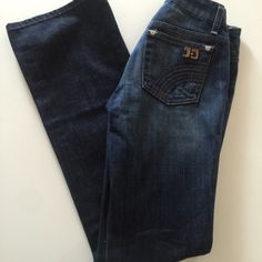 "• Joe's • Honey fit • Worn 3-4 times • 98% Cotton, 2% Elastane • 31.5"" inseam • 7.5"" rise • 12.5"" waist • NO TRADES/HOLDS • All reasonable offers accepted • Joe's Jeans Jeans Flare & Wide Leg"