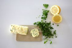Urtesmør — FAMILIEMAT Grilling, Ethnic Recipes, Restaurant, Food, Meal, Crickets, Diner Restaurant, Essen, Restaurants