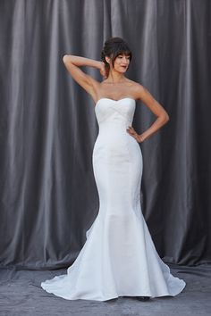 Va-Va-Va Voom ! I The #Finley gown is a fit and flare gown with beautiful pleated at the bodice I @Lis Simon