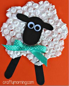 Bubble wrap sheep. Such a cute animal craft project for kids.