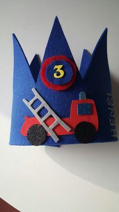 Feuerwehr Geburtstagskrone im Kindergarten.