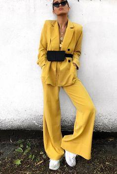 new arrival 01bde 15b6c Outfit  Glencheck Blazer, Slogan Gürtel   Balenciaga Ceinture Cut Out  Boots. Yellow SuitYellow StyleStreet ...