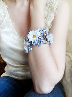 daisy corsage bracelet, wrist corsage, floral bracelet, bridal cuff, bridesmaid corsage wrist, forget me not jewelry, blue flower wrist cuff