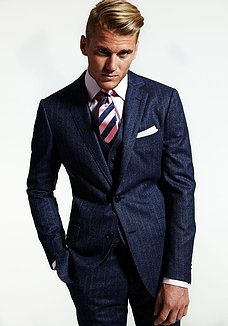 Byron Turnbull at EdwardsAndCo Sydney Sharp Dressed Man, Well Dressed Men, Mens Fashion Suits, Mens Suits, Male Fashion, Mens Trends, Gq Style, Suit And Tie, Sport Man