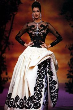 Yasmeen Ghauri - Christian Lacroix couture - #lexeecouture