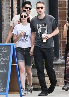 Kristen Stewart and Robert Pattinson held hands during a daytime date