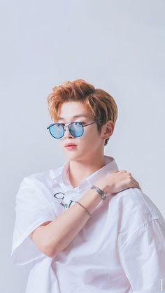 Wanna one - kang daniel Jinyoung, Kpop, Daniel Day, Prince Daniel, Kim Jaehwan, Korean Boy Bands, Seong, Handsome Boys, K Idols
