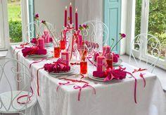 Une déco de table avec des rubans pour PâquesInspirez vous de cettedéco de table avec des rubans à l'occasion de Pâques