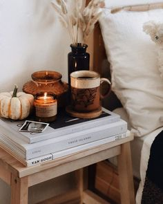 Polly Florence on Those cosy autumn days with coffee and candles burning How are you spending your weekend loves We took another trip to the pumpkin Autumn Room, Autumn Day, Fall Bedroom Decor, Fall Home Decor, Earthy Bedroom, Bedroom Wall, Ux Design, Home Design, Hygge