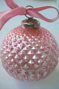 pastelchristmas.quenalbertini: Vintage Ornament