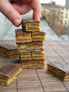 Vanilica: ~ Mini žerbo ~ Kitchen Recipes, Baking Recipes, Cookie Recipes, Dessert Recipes, Torte Cake, Croatian Recipes, Classic Cake, Sweet Cakes, Macaroons
