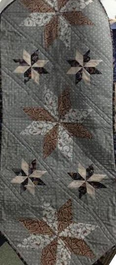 Mini Stars Table Runner, Quiltworx.com, Made by Romona (last name to come)