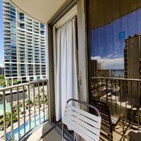 The Surfjack Hotel In Honolulu Hotel Beach Bungalows 2 Bedroom Suites