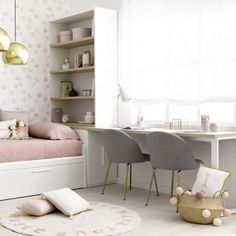 Small Girls Bedrooms, Small Room Bedroom, Bedroom Decor, Small Room Design, Home Room Design, Study Room Decor, Kids Bedroom Designs, Teenage Room, Room Planning