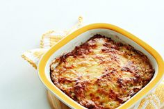 Cabbage gets kicked up a few tasty notches in this creamy and cheesy low-carb casserole. You just found your new go-to cruciferous fix! Nutrition: Moderate low carb Per serving: Net carbs: 8 % g) Fiber: 4 g Vegetarian Casserole, Vegetarian Keto, Casserole Recipes, Paleo, Keto Casserole, Vegan, Keto Cabbage Recipe, Cabbage Recipes, Diet Doctor Recipes