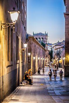 Más de la mágica #Salamanca vacilandoelmundo:  Calle de la Compañía, Salamanca, Spain