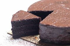 This Eggless Chocolate Sponge Cake is a super moist easy chocolate cake recipe.This basic easy sponge cake recipe feels just like sponge One Bowl Cake Recipe, Easy Sponge Cake Recipe, Eggless Sponge Cake, Sponge Cake Roll, Vanilla Sponge Cake, Sponge Cake Recipes, Easy Cake Recipes, Vanilla Cake, Eggless Chocolate Cake