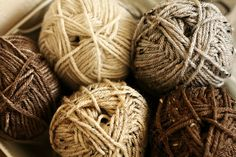 "<3 <3 <3 these natural colors.  I should do a blanket with these colors, for my next ""Mabel"".  :D"