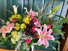 Floral Wreath, Wreaths, Flowers, Plants, Home Decor, Board, Homemade Home Decor, Flower Crowns, Door Wreaths