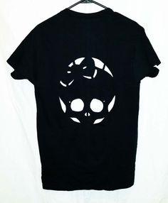 Cute Skull Cutout T Shirt by SassysEdgyDesigns on Etsy T Shirt Remake, T Shirt Diy, Tee Shirts, Girls Cuts, Cut Tees, Cute Diys, Useful Life Hacks, Cycling Outfit, Emo Fashion