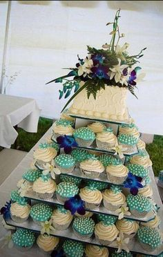 Wedding cake with cup cakes