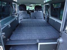 Land Rover Defender 110, Land Rover V8, Land Rover Defender Interior, Land Rover Camping, Defender Camper, Land Rover Series 3, Landrover Defender, Land Cruiser 70 Series, Land Cruiser 200