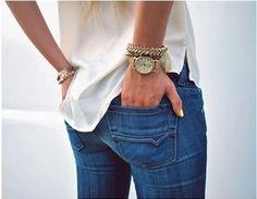 Cute and Casual: White blouse, gold accessories, gold watch, blue jeans Perfect Jeans, Cute Jeans, Look Fashion, Fashion Beauty, Womens Fashion, Fashion Quiz, Denim Fashion, Urban Fashion, Look 2017